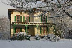 Harringtons House & Gardens from Home & Garden.  Looks like Christmas to me.