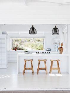 INSIDEOUT photo by Warren Heath kitchen-south-african-home-dec15