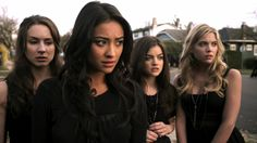 Spencer Hastings,Emily Fields,Aria Montgomery,and Hanna Marin Pretty Little Liars Season 1 Episode 1 Pilot
