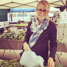 Jenna in the Meseret scarf (and a 38 week baby bump!) #livefashionABLE   @Jenna (Eat, Live, Run)