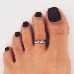 black toe polish w/ toe ring