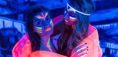 Shooting mit Schwarzlicht im Schwarzlichthof Bremen, Model Loreen Bickhardt und Samira Gryska