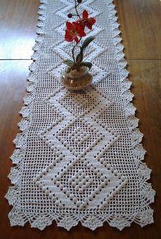 Triple Pineapple Doily pattern by Cora Rattle Crochet Table Runner Pattern, Crochet Tablecloth, Crochet Doilies, Crochet Lace, Crochet Quilt, Crochet Stitches, Doily Patterns, Crochet Patterns, Crochet Freetress