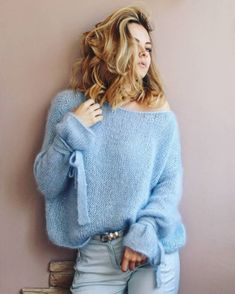 Image may contain: one or more people Hand Knitted Sweaters, Mohair Sweater, Cozy Sweaters, Knitwear Fashion, Knit Fashion, Handgestrickte Pullover, Moda Casual, Knitting Designs, Knit Patterns