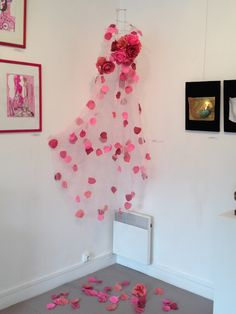 Robe d'Octobre de rose. exposition Octobre de rose 2014