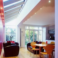 Modern side return extension with glass roof (image from house to home) - fins? Victorian Terrace, Victorian Homes, Roof Design, House Design, Side Return Extension, Glass Extension, Extension Ideas, Extension Google, Kitchen Diner Extension
