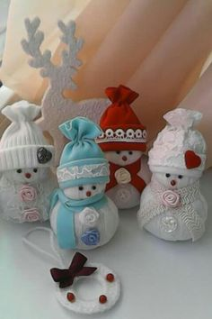 sweater snowman and snowladies Sock Snowman Craft, Snowman Crafts, Holiday Crafts, Christmas Decorations To Make, Diy Christmas Gifts, Handmade Christmas, Christmas Sewing Projects, Xmas Ornaments, Christmas Snowman
