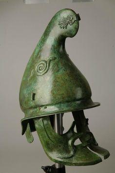 Bronze Greek helmet of Phygian type, half of the century BCE. Helmet Armor, Arm Armor, Historical Artifacts, Ancient Artifacts, Greek Helmet, Ancient Armor, Medieval Armor, Alexandre Le Grand, Greek Warrior