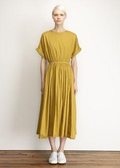 Black Crane Pleats Dress (Mustard)