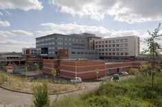 Hosital in Rodez (France) by Gauthier,   #InterlockingPanel #QuartzZinc #Architecture #Project #Hospital #Façade #Zinc #VMZINC #France