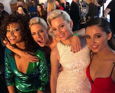 Elizabeth Banks shared a snap from the set of Charlie's Angels on Thursday. The beauty is shown in a group hug with co-stars Kristen Stewart, Naomi Scott and Ella Balinska. Kristen Stewart, Patrick Stewart, Naomi Scott, Elizabeth Banks, Sam Claflin, Aladdin, Estilo Megan Fox, Charlies Angels Movie, The Fosters