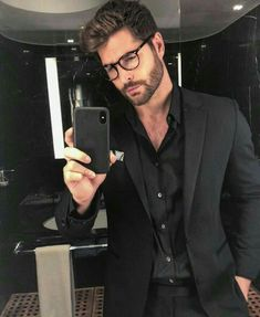31 Amazing Macho Men Style with Eyeglass for Himself is part of Nick bateman - Beard holds many interests for a man, and style continues to get better every day This is good for men […] Nick Bateman, Instagram Look, Mode Man, Best Street Style, Cool Hairstyles For Men, Mein Style, Herren Outfit, Influencer, Hommes Sexy