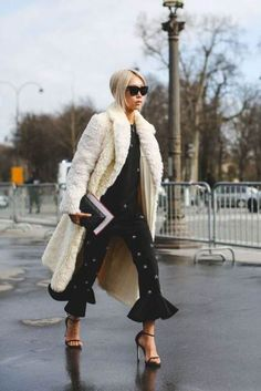Winter Street Style / Winter Coats / #fashion #winterfashion #streetstyle / Pinterest: @fromluxewithlove