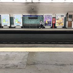 Historias del metro  #lisbon #bestlisbon #timeoutlisboa #criticaldistance #openhouselisboa #vscoarchitecture #jj_architecture #unlimitedcities #archigram #archidaily #architecturemx #ptk_architecture