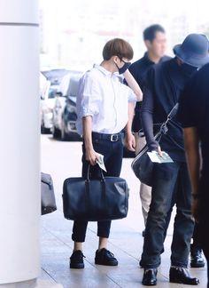 [AIRPORT] 160827: BTS Jeon Jungkook #bts #bangtan #bangtanboys #fashion #style…