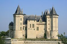 The castle we now see in Saumur was constructed by Henry II, King of England, towards the end of the 12th century. It stands in the same location as a chateau constructed in the 10th century (and destroyed in battle in the 13th) - an enviable raised position above the confluence of the River Loire and River Thouet.
