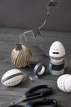DIY: Easter crafts with washi tape Egg Crafts, Easter Crafts, Tape Crafts, Hoppy Easter, Easter Eggs, Easter Table, Diy Osterschmuck, Diy Ostern, About Easter