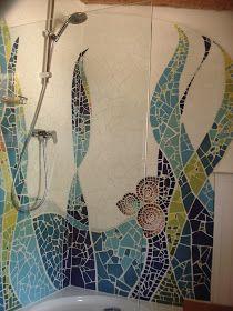 Esta es la segunda parte de un lavabo que hice en la urbanización de La Font cerca de Pollença, Mallorca, el año pasado hicimos la ducha y c... Mosaic Bathroom, Mosaic Wall, Mosaic Glass, Stained Glass, Mosaic Crafts, Mosaic Projects, Mosaic Ideas, Slab Ceramics, Surreal Art