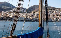 #Ankunft mit dem #Schiff vor #Syros © Jürgen Garneyr Mykonos, Outdoor Furniture, Outdoor Decor, Santorini, Greece, Adventure, Vacation, Backyard Furniture, Lawn Furniture