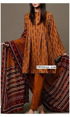 Simple Pakistani Dresses, Pakistani Dress Design, Pakistani Dresses Online, Pakistani Bridal, Stylish Dresses For Girls, Stylish Dress Designs, Casual Dresses, Indian Designer Outfits, Designer Dresses