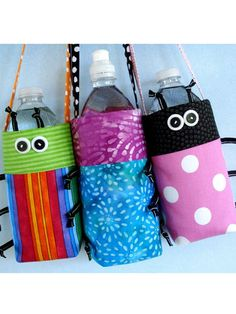 Sewing - Children & Baby Patterns Make fun Water Bottle Covers with this easy sewing pattern! Water Bottle Carrier, Water Bottle Covers, Bottle Bag, Sewing Hacks, Sewing Projects, Costura Diy, Diy Couture, Sewing Class, New Crafts