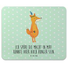 Mauspad Druck Fuchs Weihnachten aus Naturkautschuk  black - Das Original von Mr. & Mrs. Panda.  Ein wunderschönes Mouse Pad der Marke Mr. & Mrs. Panda. Alle Motive werden liebevoll gestaltet und in unserer Manufaktur in Norddeutschland per Hand auf die Mouse Pads aufgebracht.    Über unser Motiv Fuchs Weihnachten  Die Fox Edition ist eine besonders liebevolle Kollektion von Mr. & Mrs. Panda. Jedes Motiv ist wie immer bei Mr. & Mrs. Panda handgezeichnet und wird in unserer Manufaktur im…