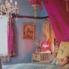 Gypsy chic room:)