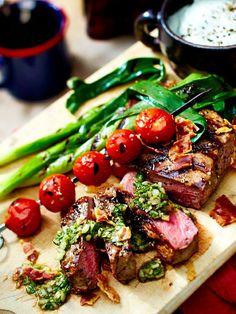 Feinstes Fleisch vom Grill mit zwei würzigen Dips - das nächste Barbecue kann kommen!