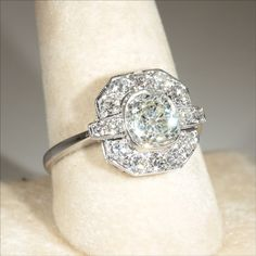 Vintage Art Deco 2.4ctw Diamond Engagement Ring in 18k Gold & Platinum.... yes please!