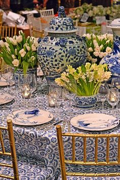 Breathtaking blue and white table designed by Sam Allen for the annual Lenox Hill Neighborhood House Gala with Christopher Spitzmiller dinnerware featured on The Pink Pagoda