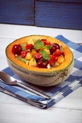 Salade de melon, aux fruits d'été, du frais, de la vitamine et du gouts pour ces fruits d'été