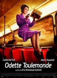 French Romantic Comedy based on Eric-Emmanuel Schmitt's short story Odette Toulemonde Good Movies To Watch, Go To Movies, Movies 2019, Top Movies, Cinema Movies, Movie Theater, Film Movie, Monsieur Claude, Éric Emmanuel Schmitt