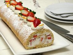 Looking for a delicious strawberry cake roll? This one combines two classic winter flavors- orange cake roll with whipped cream and strawberries. Healthy Cake Recipes, Sweet Recipes, Dessert Recipes, Strawberry Roll Cake, Thing 1, Pretty Cakes, No Cook Meals, Coco, Sweet Treats