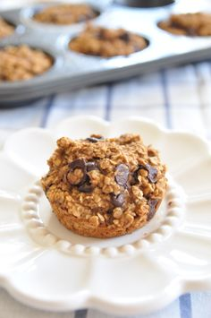 Chocolate Oat Banana Muffins (vegan - Get your hourly source of sweet inspirations! Brunch Recipes, Vegan Recipes, Dessert Recipes, Desserts, Chocolate Oats, Chocolate Recipes, Vegan Options, Muffins, Food Porn