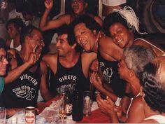 Neste domingo, 23 de fevereiro, acontece o lançamento da camiseta do tradicional bloco do Clube do Samba no bar Capitão Jacques, em Copacabana. O evento, gratuito, conta com roda de samba comandada pelo veterano Miguelzinho do Cavaco e canjas variadas.
