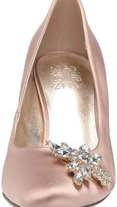 Pump Shoes, Pumps, Heels, Naturalizer Shoes, Sleek Look, Metal, Women, Style, Heel