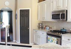 Painted Pantry Door | www.decorchick.com