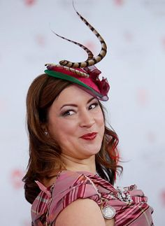 Jennifer Tilly goes for a whimsical look.