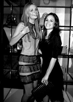 marissa and summer i love the oc Teen Shows, Old Shows, Teen Movies, Movie Tv, Summer The Oc, Rachel Bilson The Oc, The Oc Tv Show, Movies And Tv Shows, Best Tv Shows
