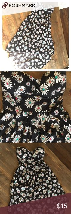 Daisy strapless sun dress Strapless dress with white daisies and multi colored centers. Hi-lo dress. Never worn and in great shape!! 🌼 Dresses High Low