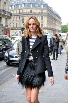 Lauren Santo Domingo, Vogue & Moda Operandi at KG Street Style. Street Style Chic, Feather Skirt, Vogue, Style And Grace, Models, Mode Style, Her Style, Street Fashion, Paris Fashion