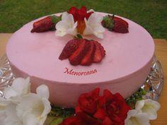 Tarta mousse de fresas con corazón de nata, Receta por Menorcana - Petitchef