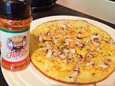 #gymjunkiesnl @gymjunkies_nl  Pizza omelet  this omelet gets a lot more delicous with @flavorking.nl pizza flavor . .  Getagd door @gezonderecptjes & @fitgirlliss om mijn 10 favorite foods te delen. Laatst heb ik al 10 food confessions gedeeld alle slechte dingen waar ik van hou. Die kun je lezen op mijn blog link in bio!  Dus nu zal ik mijn top 10 gezonde food favorites delen. 1. Pure chocolade 85% ik eet iedere dag een paar blokjes . 2. Griekse yoghurt met honing en golden kiwi. Dit smaakt…
