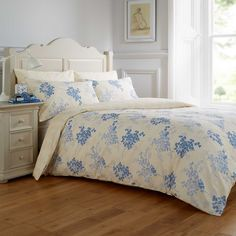 Vantona Violet Duvet Cover & Standard Pillowcase Set