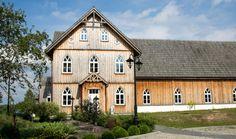 Plebania z Lipki -  przepiękny budynek w stylu neogotyckim