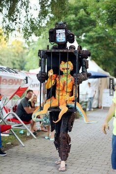 Robot With An Alien In A Cage - Halloween costume