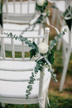 White rose and Eucalyptus leaf Eucalyptus Leaves, White Wedding Flowers, Wedding Chairs, White Roses, Unique Weddings, Decor Styles, Reception, Wreaths, Table Decorations