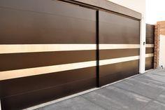 portones-iron-home-en-cumbres-monterrey Front Gate Design, Main Gate Design, House Gate Design, Door Design, Exterior Design, Entrance Doors, Garage Doors, Wadrobe Design, Ceiling Trim