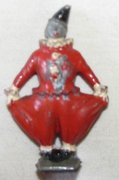 BRITAINS CIRCUS CLOWN RED BAGGY PANTS RARE VINTAGE LEAD FIGURE.