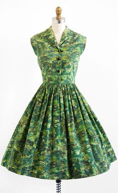 vintage 1950s dress / 50s dress / Green Novelty by RococoVintage